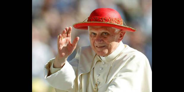 Le pape ne met plus la capote à l'index - La DH