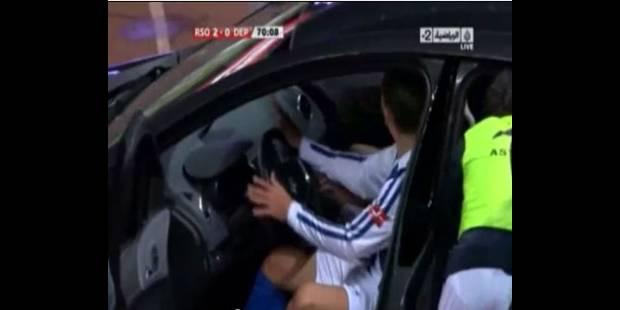 Célébration : il marque et se met au volant d'une voiture (Vidéo) - La DH