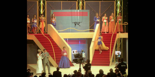 Les candidates Miss Belgique formées aux rudiments de la chose publique - La DH