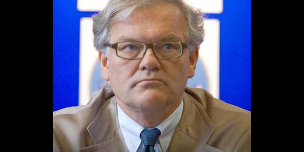 Eglise: De Clerck au S�nat pour soutenir une Commission interparlementaire