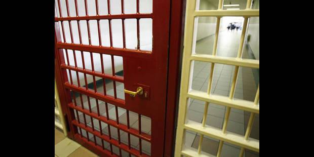 Deux détenus s'enfuient d'une prison argentine gardée par... un mannequin - La DH