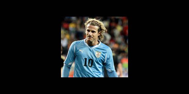 Diego Forlan élu meilleur joueur du tournoi - La DH