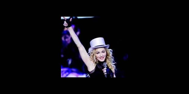 Madonna aide un couple gay