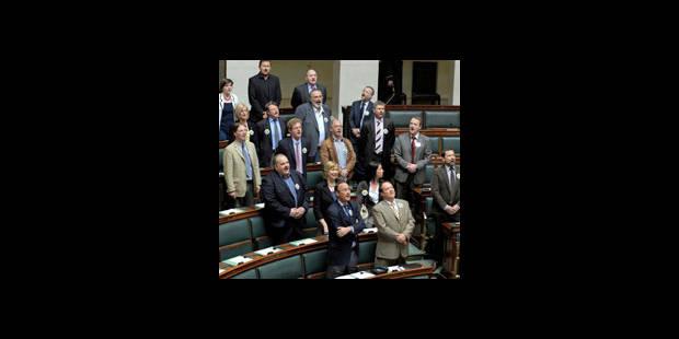 Les images du chant flamand à la Chambre : choquantes ? (vidéo) - La DH