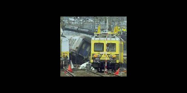 Hal: les trains accidentés évacués des voies - La DH