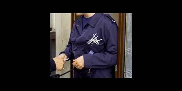 Une policière prévient des dealers des opérations anti-stup - La DH
