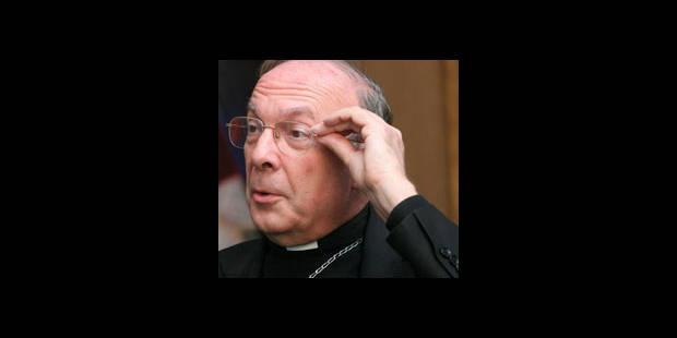 Monseigneur Léonard accusé de passivité à l'égard d'un prêtre pédophile