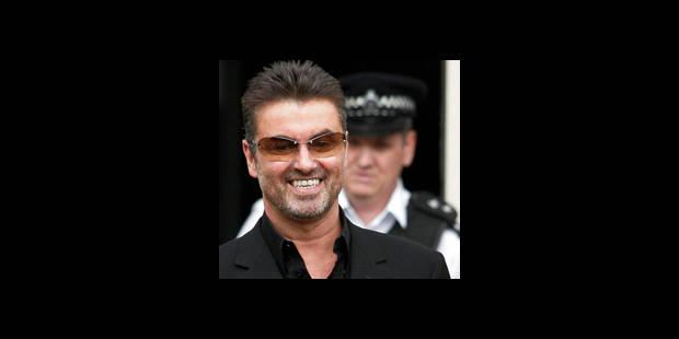 George Michael se drogue aux toilettes - La DH