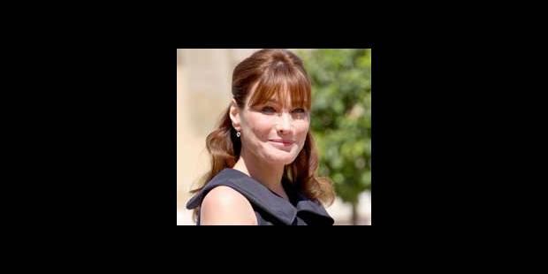 Carla Bruni chante en direct sur BBC