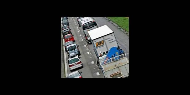 Carambolage sur l'E411: l'autoroute toujours fermée - La DH