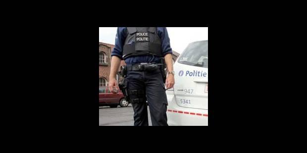 Les policiers face aux armes blanches - La DH