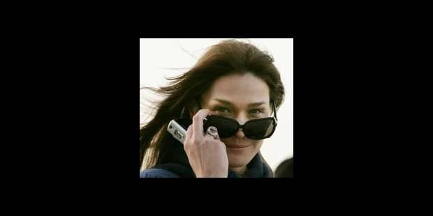 Carla offre son disque aux ministres - La DH