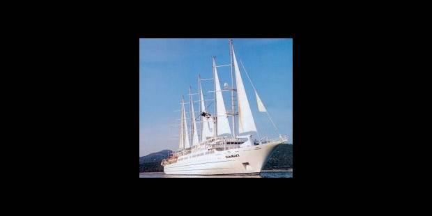 Elle se jette du  Club Med 2 - La DH