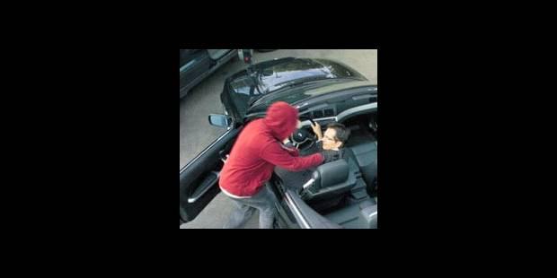 Éjectée de son auto par des car-jackers - La DH
