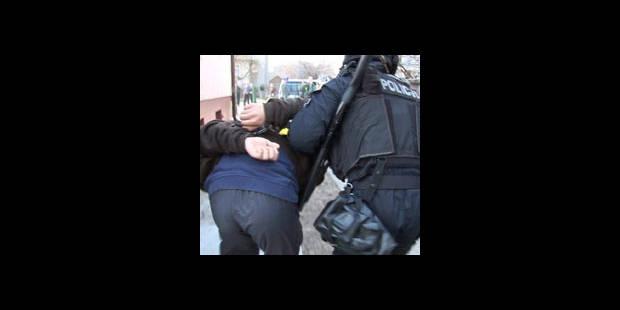 Extradition ajournée, frère libéré - La DH