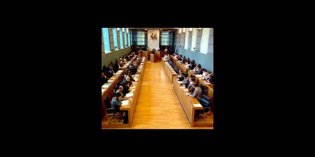 Silence au Parlement - La DH