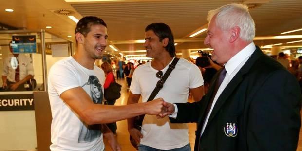 Officiel: Aleksander Mitrovic signe pour cinq ans au Sporting - Page 3 520d253835709164e12fc80a
