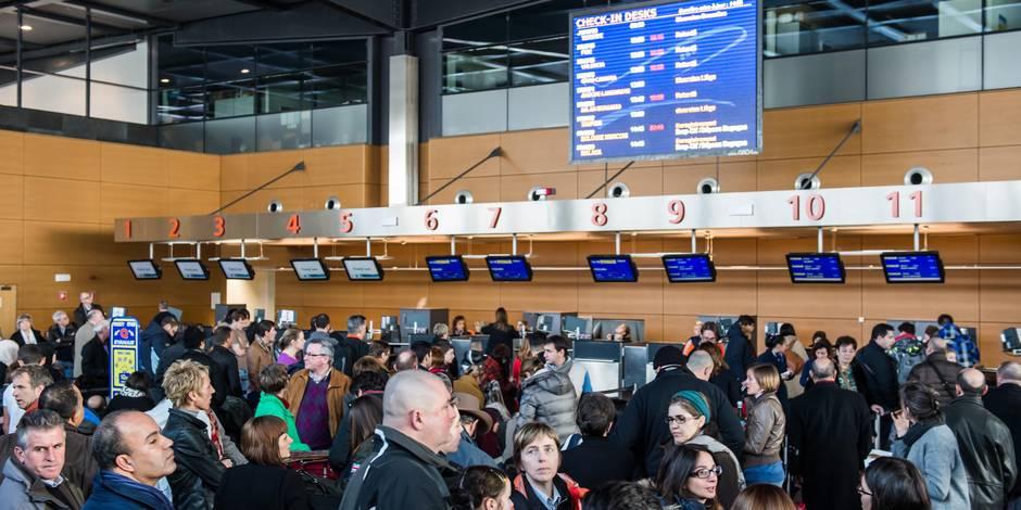 Aéroport de Charleroi: l'Europe piégée par un poisson d'avril