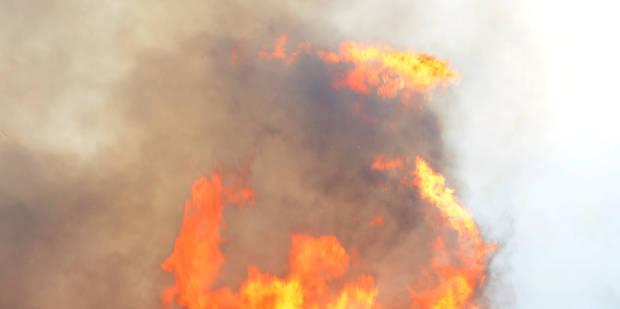 Un court-circuit provoque un violent incendie dans une habitation à Liège - La DH