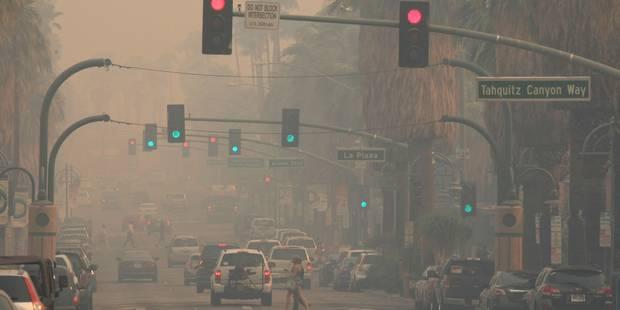 Incendie maîtrisé à 20% en Californie