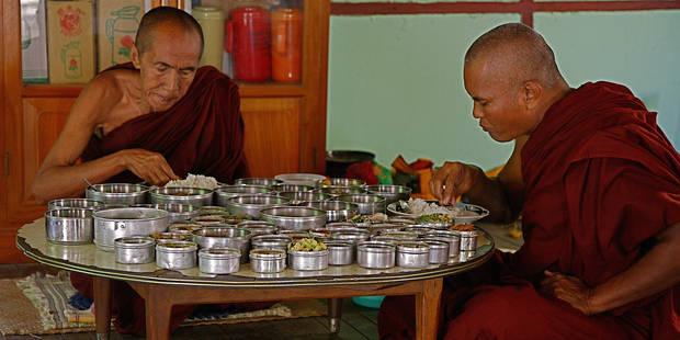 Un adolescent belge devient moine dans un monastère en Inde - La DH