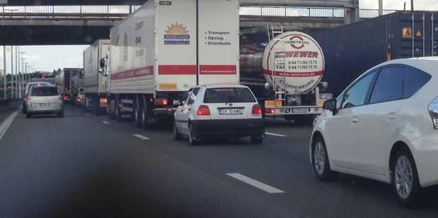 Important accident sur le ring de Bruxelles au Carrefour Léonard - La DH