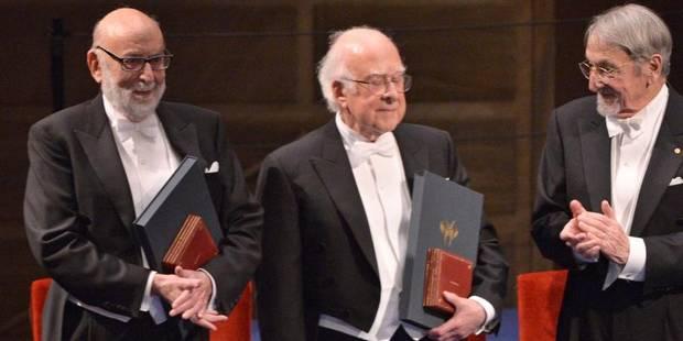 Le Prix Nobel de physique remis officiellement au Belge François Englert - La DH