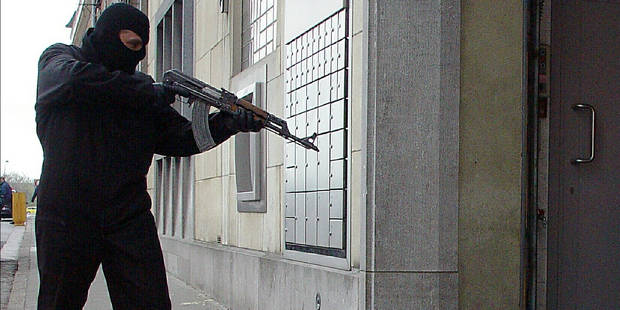 Attaque à main armée dans un SPAR à Mouscron - La DH