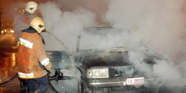 Voitures incendiées à Bruxelles : cinq personnes interpellées - La DH