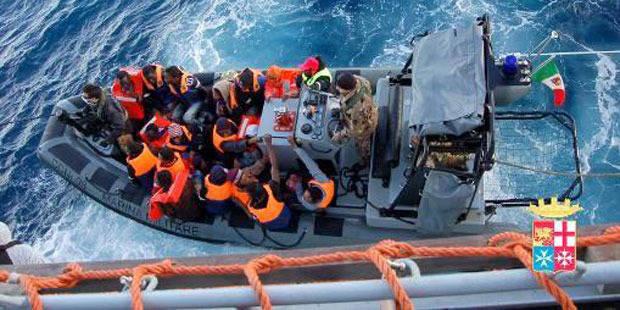 Italie: sauvetage en cours de 200 immigrés en Méditerranée