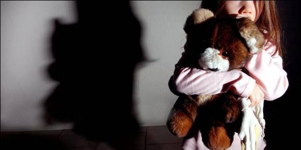 Un policier vend une fillette de 2 ans - La DH