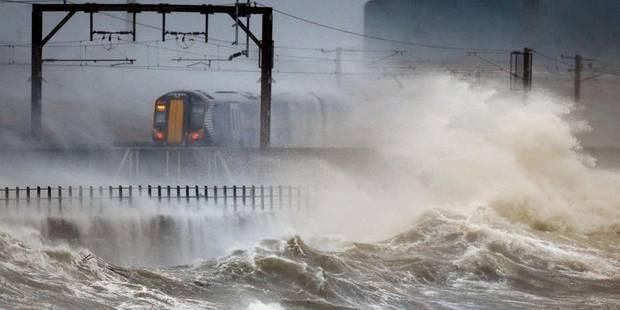 Royaume-Uni: la tempête fait de sacrés dégâts - La DH