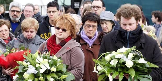 Des familles de victimes de Buizingen se recueillent à la gare de Mons - La DH