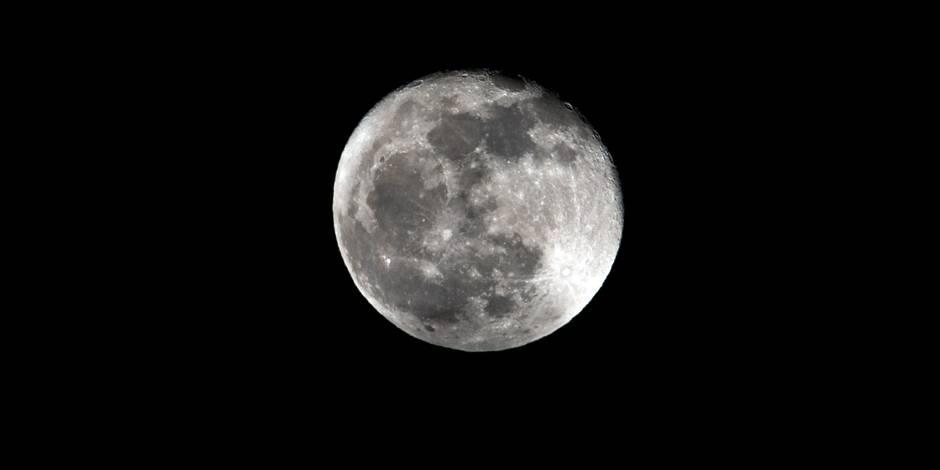 Un astéroïde s'écrase sur la lune sous les yeux ébahis d'un astronome
