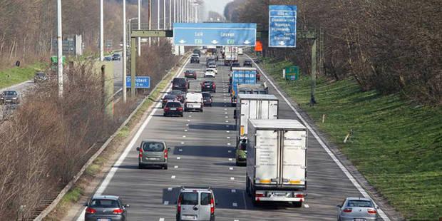 Coup d'oeil dans le rétro du conducteur belge - La DH