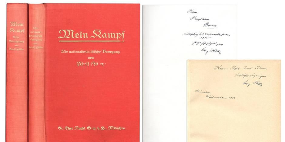 """Deux """"Mein Kampf"""" signés par Hitler pour 64.850$"""