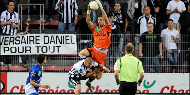 https   www.dhnet.be buzz sports il-se-rase-pour-la-bonne-cause ... 34b215313a848