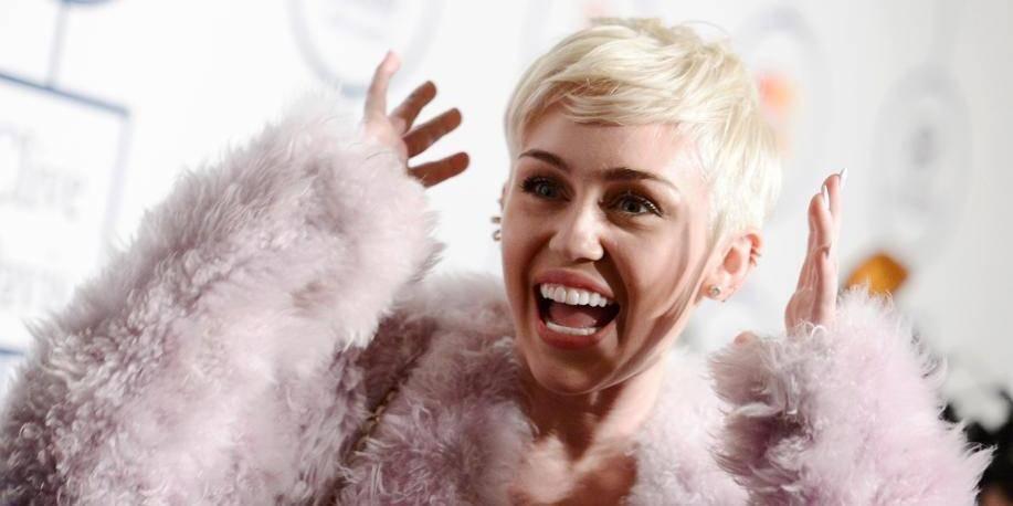 Hospitalisée, Miley Cyrus met sa tournée de côté