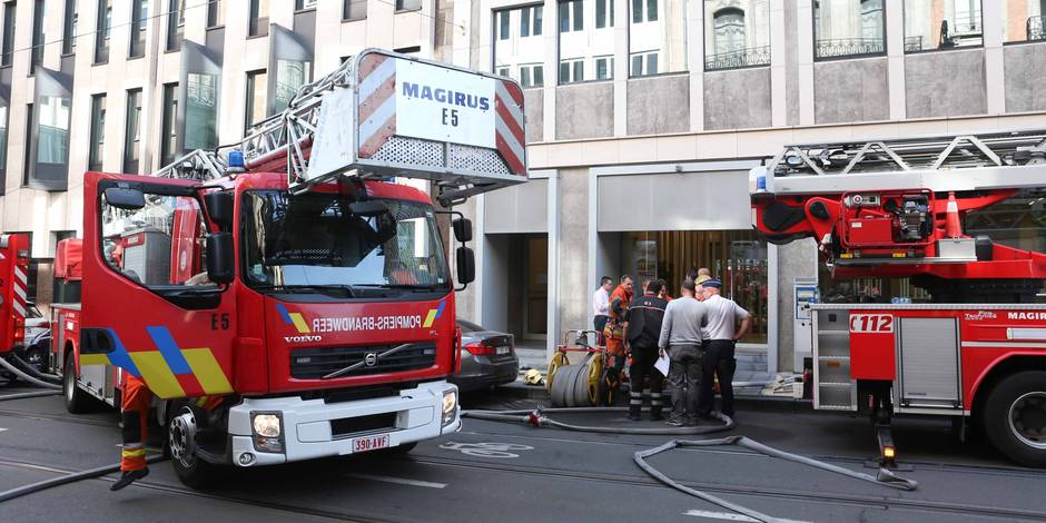 Un mort et quatre blessés graves dans un incendie à Schaerbeek