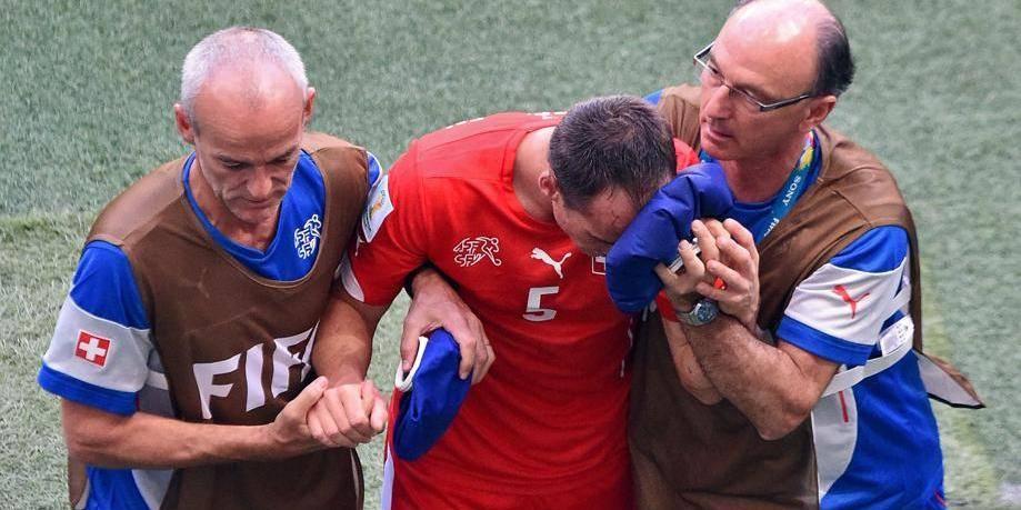 Défenseur suisse gravement blessé: Deschamps et Giroud apportent leur soutien