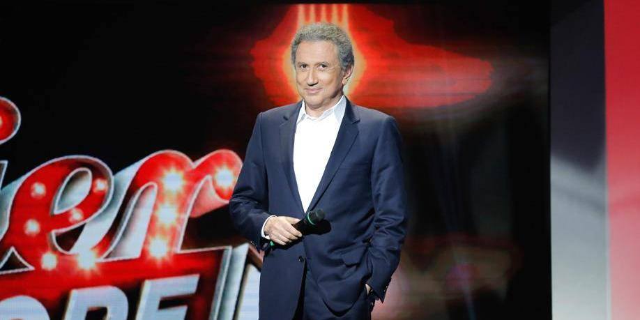 """Michel Drucker, décoré Commandeur, évoque des """"relations passionnées"""" avec la Belgique"""