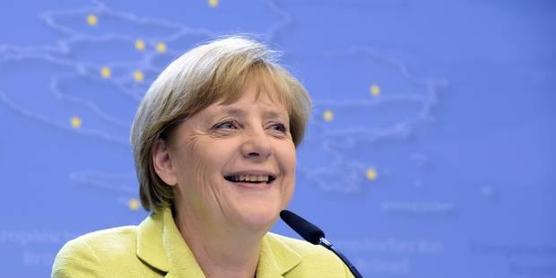 """Un journaliste allemand critiqué après avoir chanté """"Happy Birthday"""" à Merkel - La DH"""