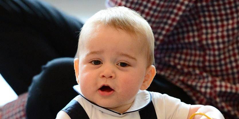 Le Prince George, bientôt un an, marche seul