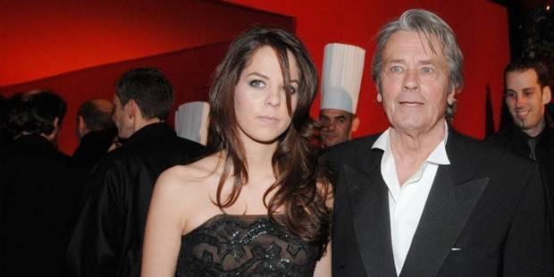 Alain Delon va bien, selon sa fille - La DH