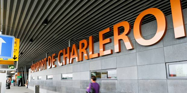 Pas de gare � l'a�roport de Charleroi
