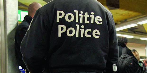 Deux policiers se tapent dessus dans un bar à Spy - La DH
