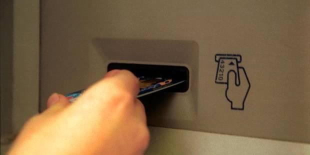 Attention aux cartes bancaires qui se transforment en couteau - La DH