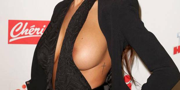 Mais à qui sont ces (faux) seins que l'on s'arrache? - La DH