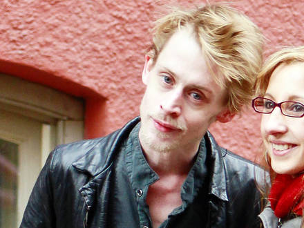 EXCLUSIVE TO INF. PLEASE CALL BEFORE USAGE. Fabruary 9, 2012: Macaulay Culkin stops to take some photographs with fans in New York City. The 'Home Alone' star recently made headlines for looking shockingly thin which prompted concerns about his health. Mandatory Credit: Guillermo Bosch/INFphoto.com Ref: infusny-223|sp|EXCLUSIVE TO INF. PLEASE CALL BEFORE USAGE. Reporters / INF