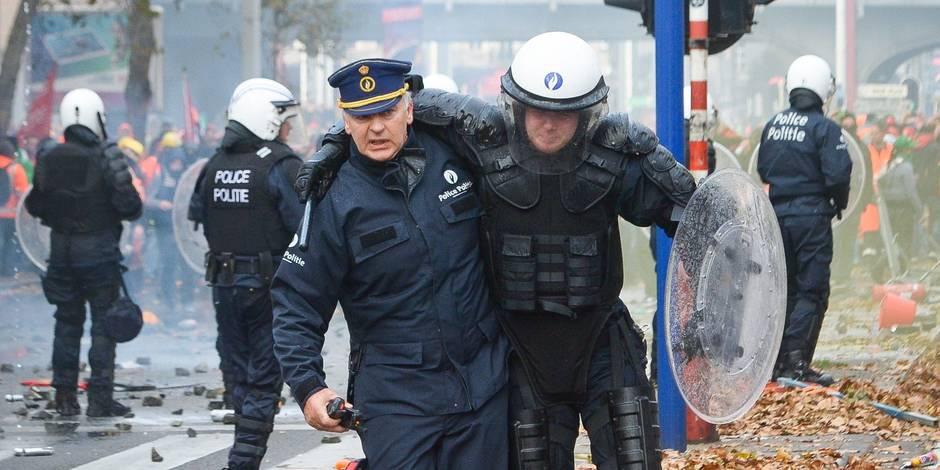 Bruxelles - Manifestation nationale du 06 Novembre 2014 contre l'accord de gouvernement Michel